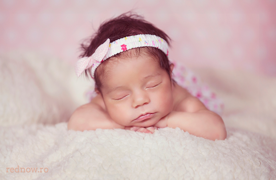 Mayra-newborn-rednow-photography-12