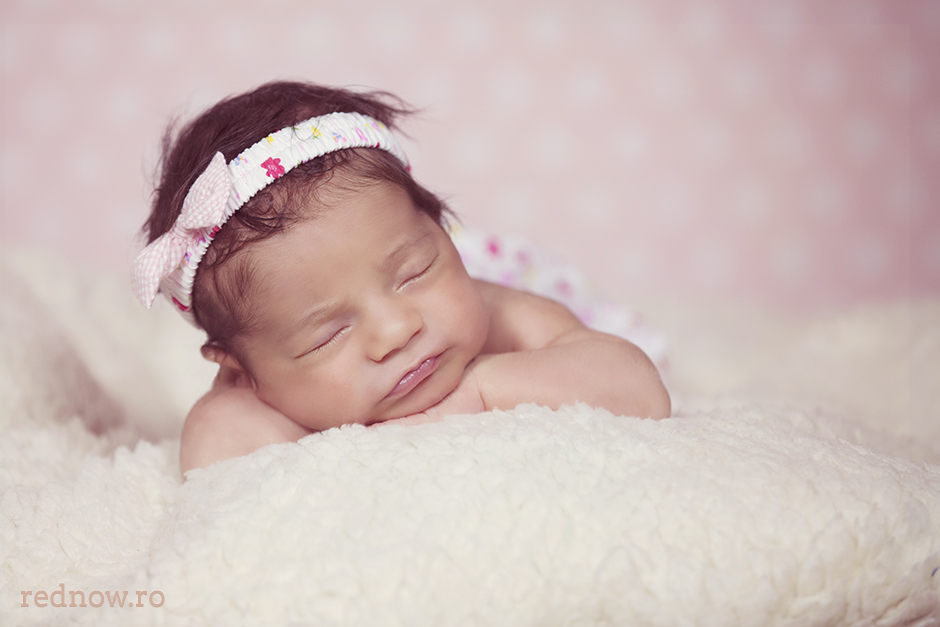 Mayra-newborn-rednow-photography-15