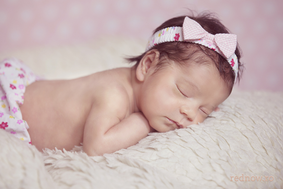 Mayra-newborn-rednow-photography-16